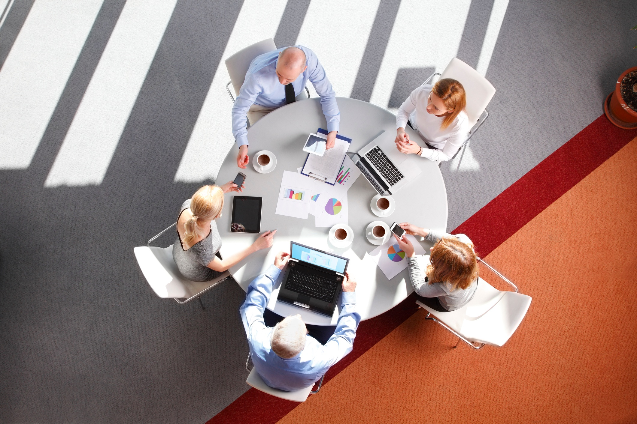 When to Outsource Marketing and When to Hire Internally
